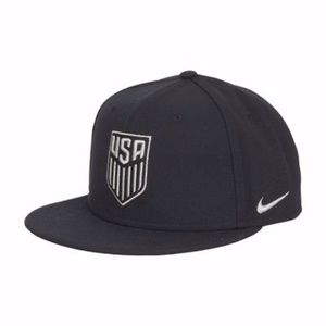 NIKE USA Soccer Core True Flat Bill Snapback